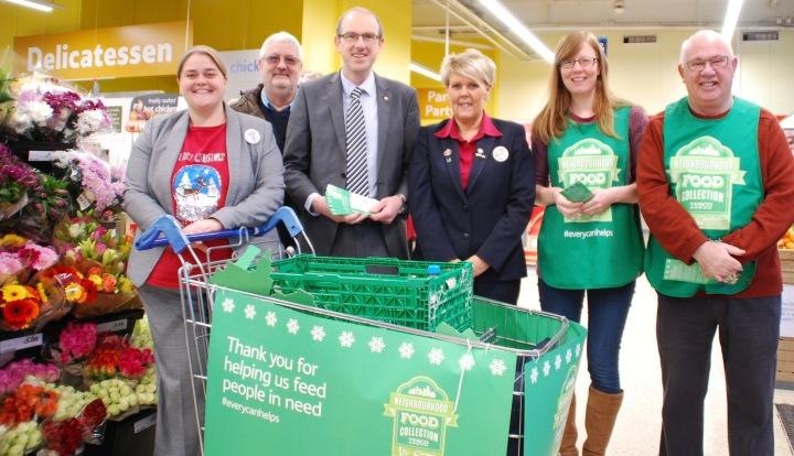 Llyr Gruffydd, Tesco, Foodbank, Abergele 2